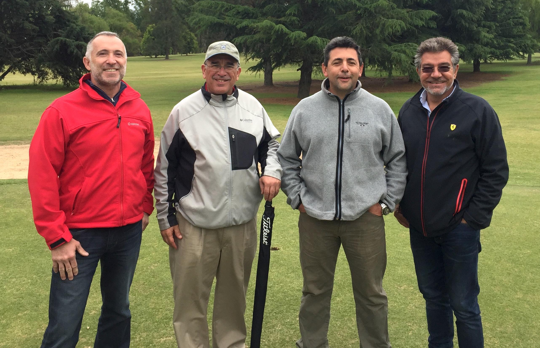 Enzo Garaventa, Vicepres, Guillermo Busso, Ángel Rivero, Capitán, y Luis Funes, Presidente del club.