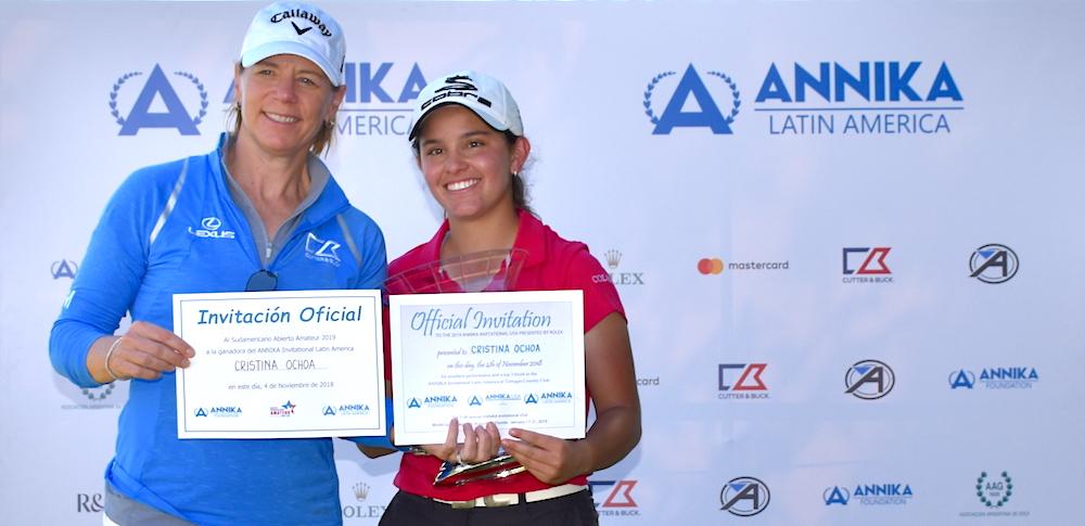 Annika y Cristina Ochoa.
